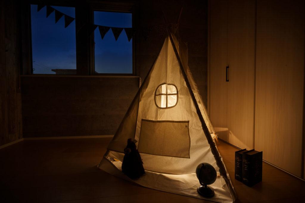 子供部屋に置かれたテント